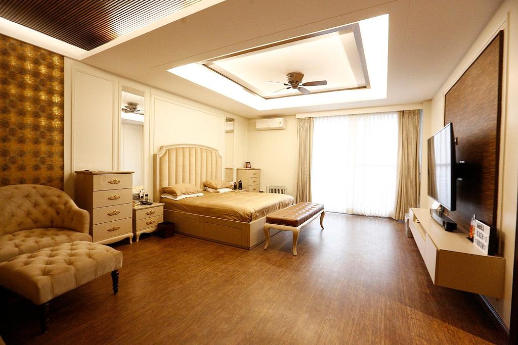 luxury floor in gurgoan